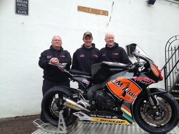 [Road Racing] North West 200 2013 BKAjCjsCMAAjoWG