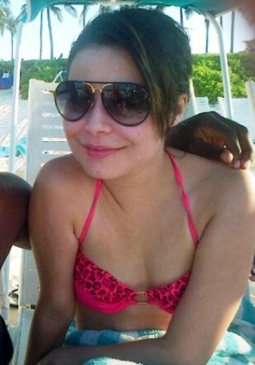 Miranda Cosgrove Shows Her Boobs