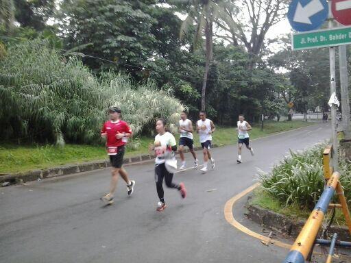 Suasana @runforiver @berlariberbagi @Mapala_UI siapa aja hari ini yang ikut lari? pic.twitter.com/AZ6XUujFZQ