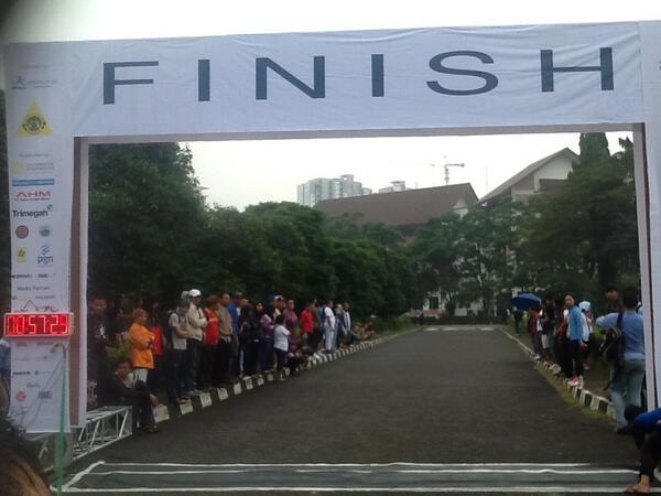 Siapa ya yg bisa mencapai garis finish pertama? :) pic.twitter.com/a4GkKPcYdk