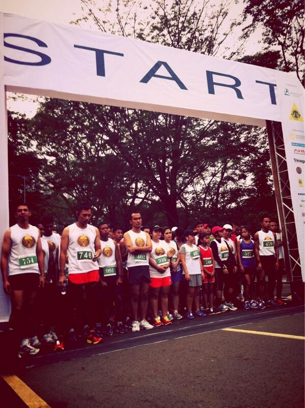 #runforiver start line @AgusYudhoyono pic.twitter.com/qFvmXrl2pV