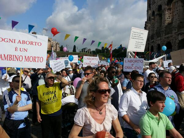 Io sono qui. #marciaperlavita pic.twitter.com/NUjFwX6ykt