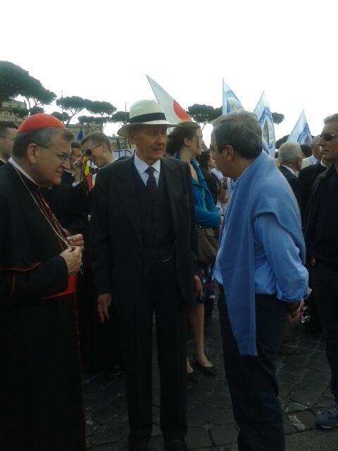 Bella gente alla #marciaperlavita . #marciateaffanculo pic.twitter.com/DLYWTOEIRN