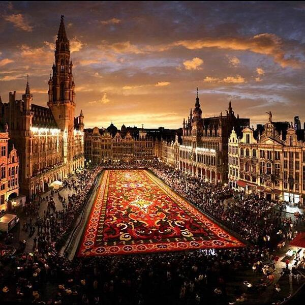 ブリュッセルのフラワーカーペット(Tapis de fleurs) - ベルギー