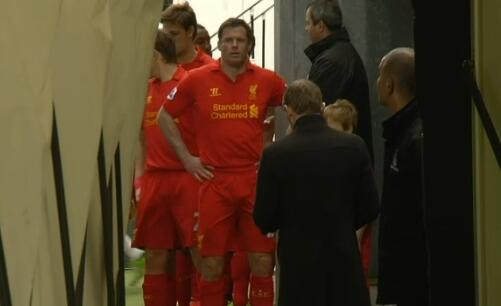 Carra down the Fulham tunnel preparing to lead the team out for the 50th time in the Premier League: #LFC pic.twitter.com/Bo3zby4su9