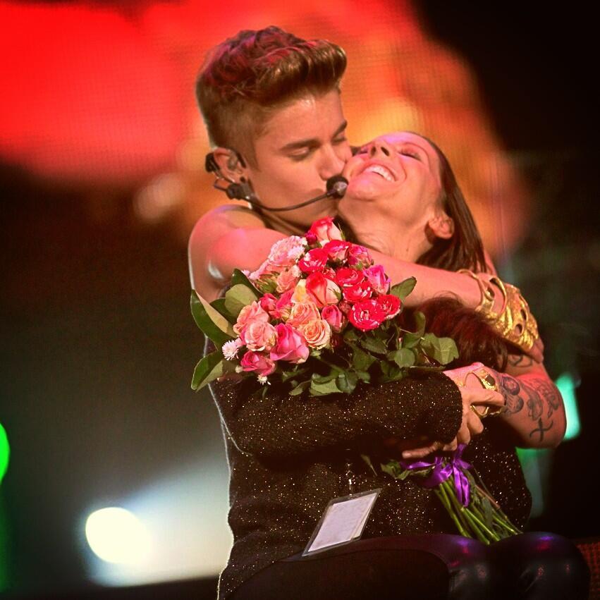 I love my momma . Great night tonight http://t.co/Yd0YHMM6nL