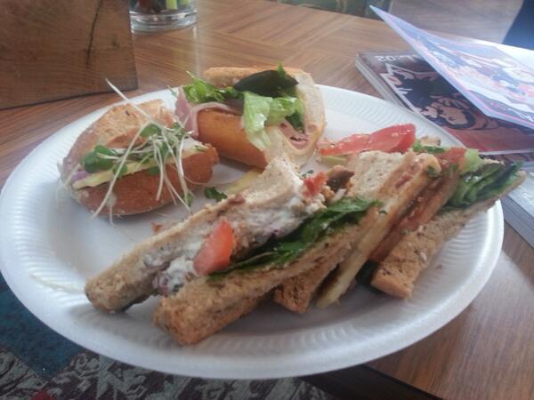 Lunch!  #MvvmCross pic.twitter.com/Zm5twiEnok