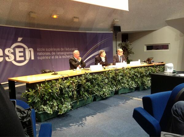 Intervention de Milad Doueihi sur l'humanisme numérique #eformesen ! http://pic.twitter.com/UMehPBJANi