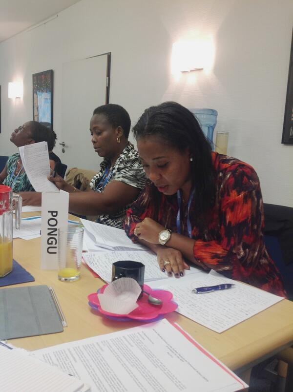 Here, women delegates participate in negotiating simulation excercises #WDF #shesparks @CFigueres pic.twitter.com/KOKpcrWdiI