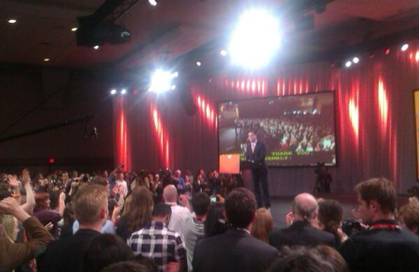 Adrian Dix takes the stage. He is conceding #bcelxn. #bcpoli http://twitter.com/teambates/status/334539377986392064/photo/1