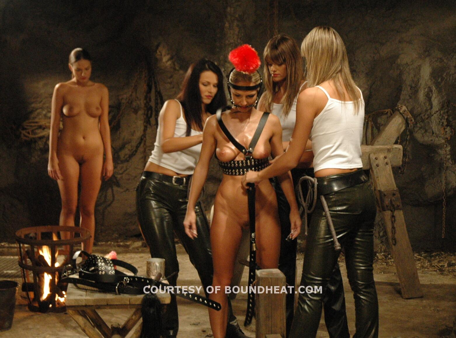 Chained heat 1 naked clips-3648