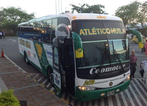 Resultado de imagen para bus del atletico huila