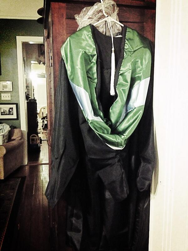 Just pulled out my gown and academic hood to let it de-wrinkle. Graduating Friday! #tulane13 pic.twitter.com/ExsJQHBIMW