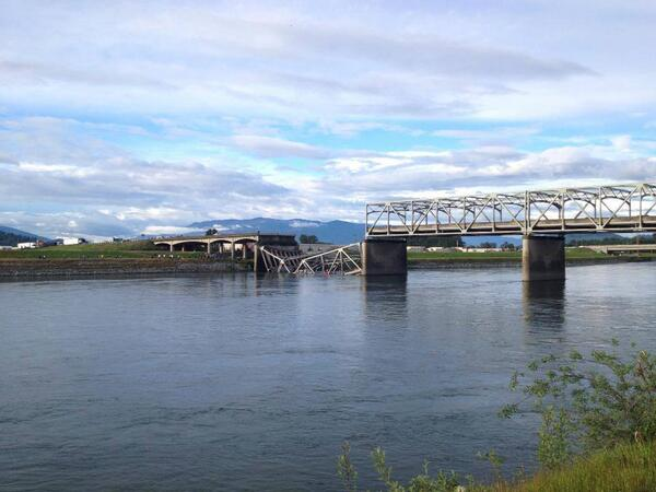 Thumbnail for Skagit River Bridge collapses