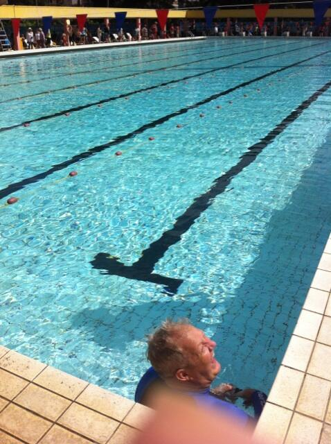 Some professional underwater shooting going on at our swim gala! pic.twitter.com/MCdGgfdLHu