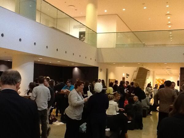 Tweeting from the #SciComm13 conference here at Kings Place! Everyone filling up on tea/coffee for the day's events. pic.twitter.com/T2s6gf1Na0
