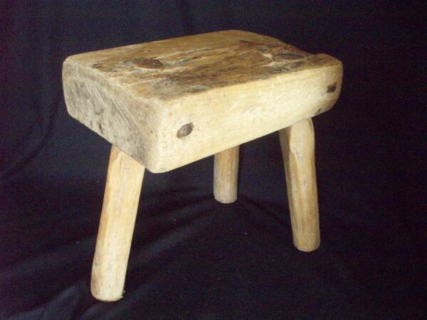 Terrific Paulasbarntiques On Twitter Primitive Wood Milking Stool Pabps2019 Chair Design Images Pabps2019Com