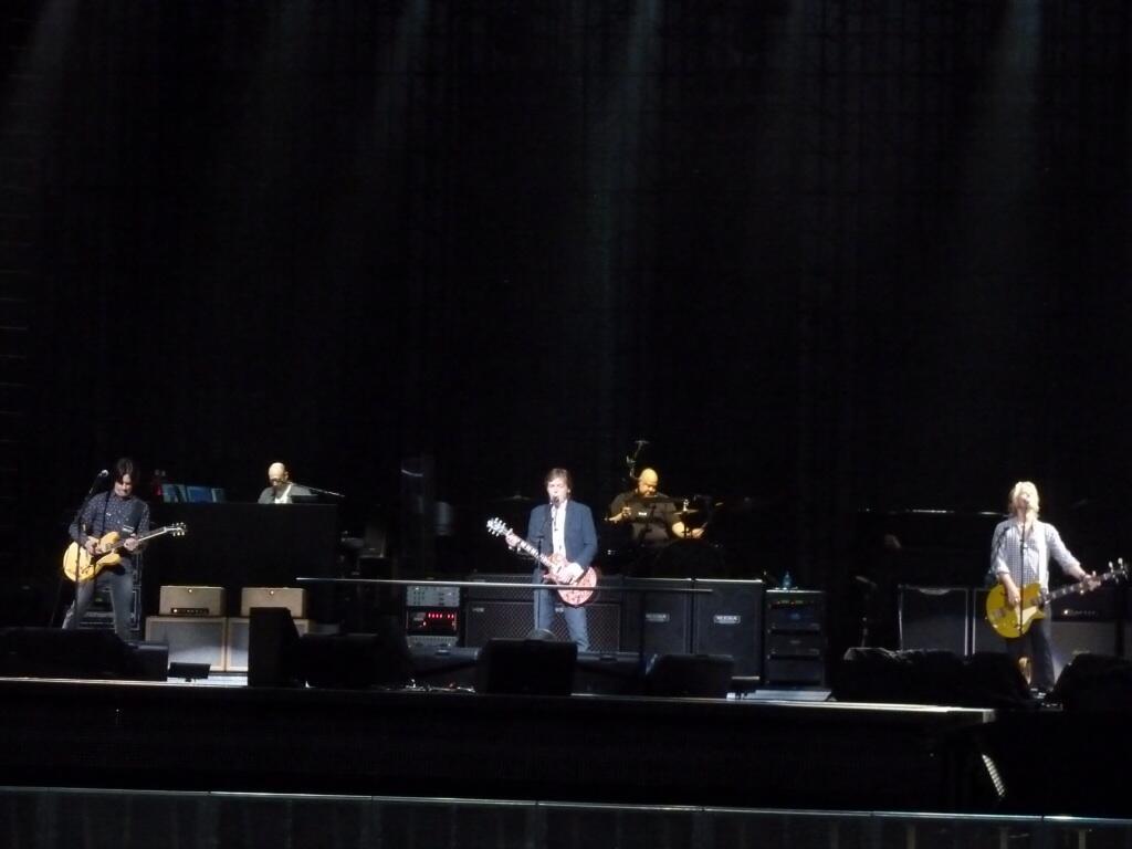 """Paul McCartney se apresenta pela """"Out There"""" em Orlando"""
