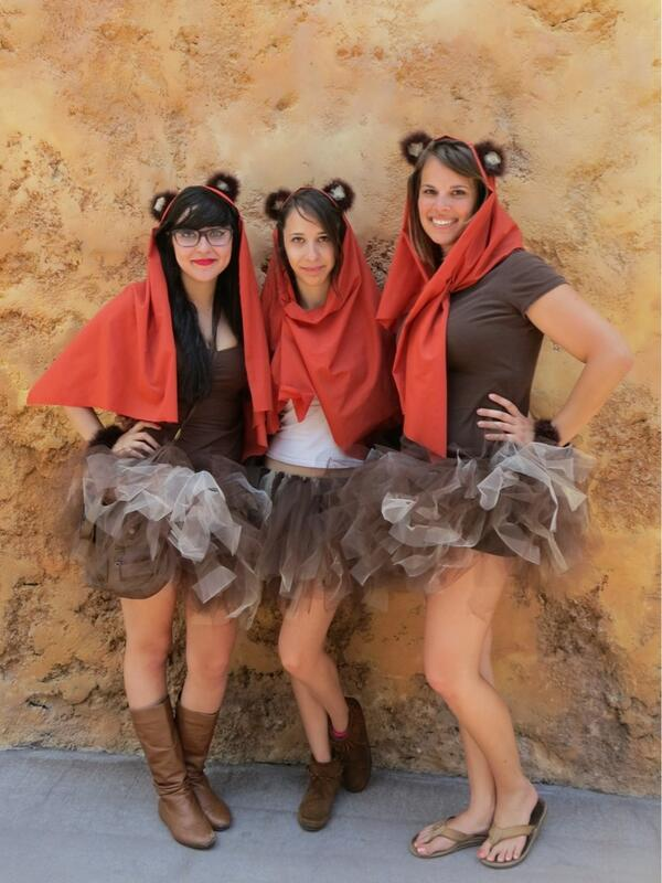 These Ewoks are maneaters! #StarWarsWeekends pic.twitter.com/I6Gsb5bwYf
