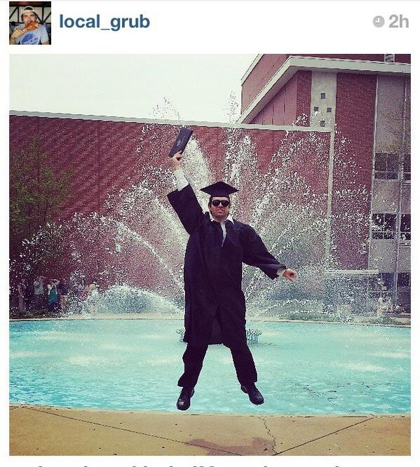 As a proud @UWMAlumni, my vote for best #uwmgrad pic today comes from @Local_Grub via @instagram. Ahh, memories :) pic.twitter.com/3Lo5IiFjBR