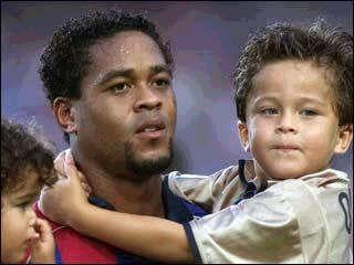 Foto di Patrick Kluivert  & il suo  Figlio  Quincy Kluivert