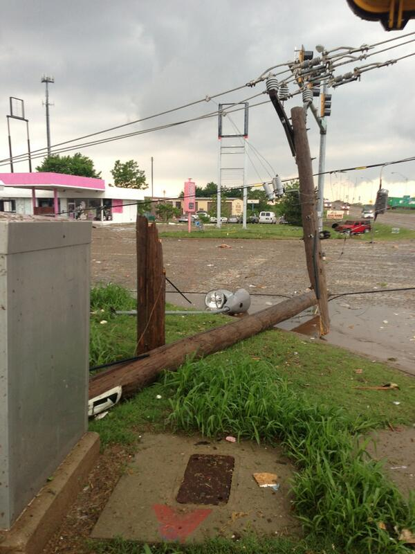 Literally was under the tornado. Came back up this was 30 steps from where I was pic.twitter.com/gsd17HOXVI