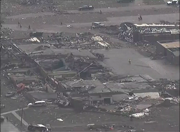 PHOTO: Massive destruction in Moore, Oklahoma pic.twitter.com/TfGlbz0swe