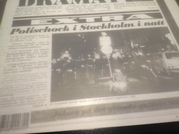 """polischock i stockholm i natt!"" pic.twitter.com/nSigYEHB6E"