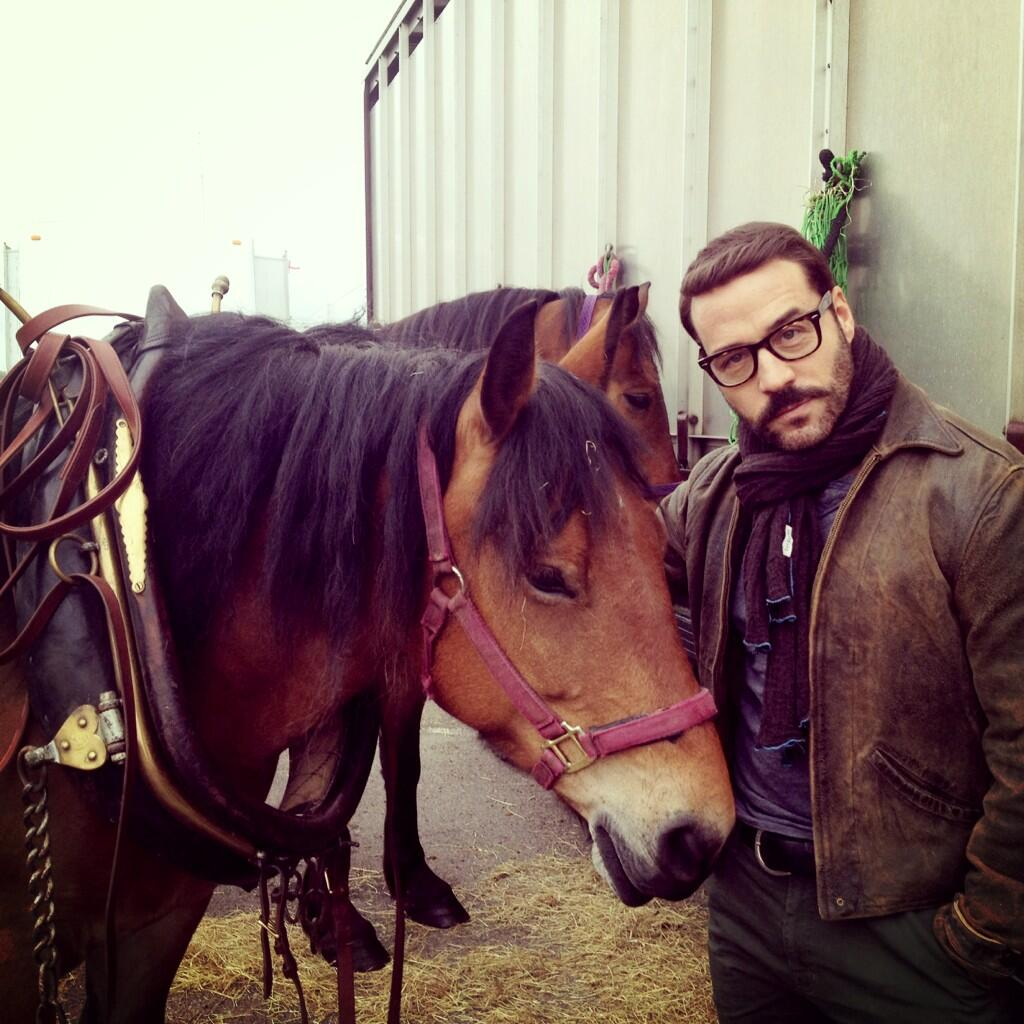 @jeremypiven On The Set Of #MrSelfridge