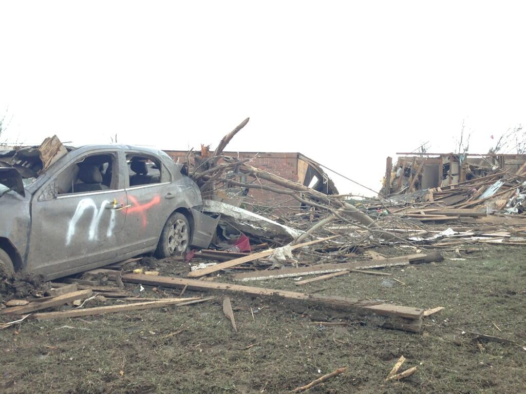 Twitter / Ginger_Zee: Quiet here in #Moore until ...