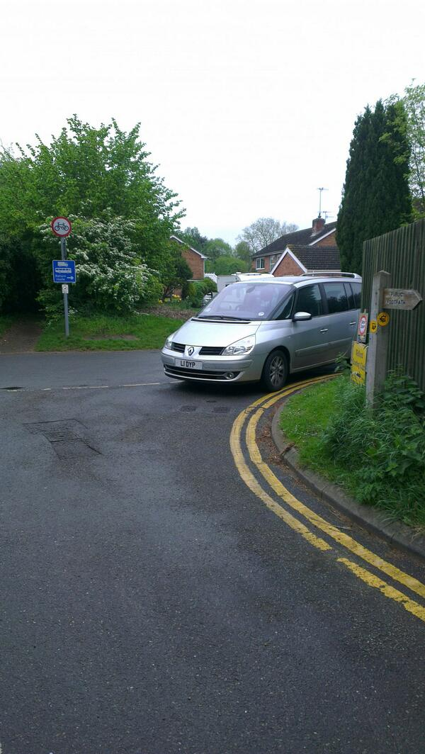 L1 DYP displaying crap parking