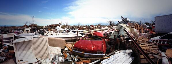 Once you're in it, it's as far as you can see. #Oklahoma #tornado #ksdk http://pic.twitter.com/abo0pUWcak