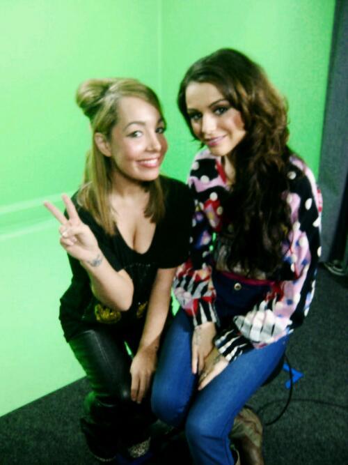 Gifs e imagenes graciosas de Cher Lloyd - Página 2 BKzRZ_hCIAAgDCu
