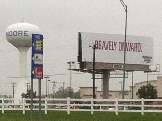 #Moore #Oklahoma #prayforoklahoma #Pray4OK pic.twitter.com/YP4Ffmvcki