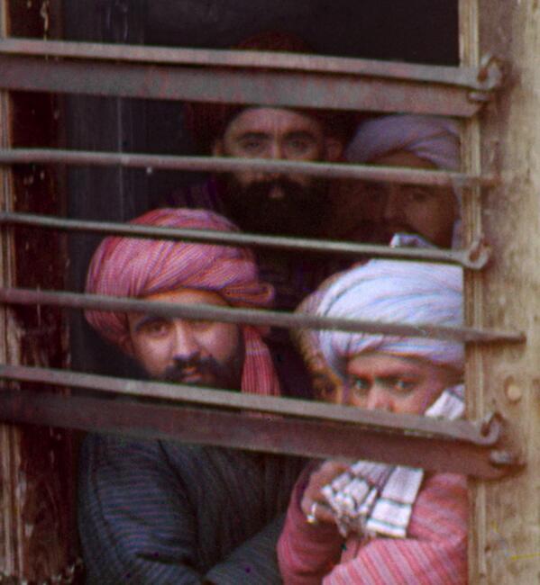 Guardate come ci guardano. Quante storie nei loro occhi. Da http://www.loc.gov/pictures/collection/prok/item/prk2000002573/ http://pic.twitter.com/1tunqXLX0e