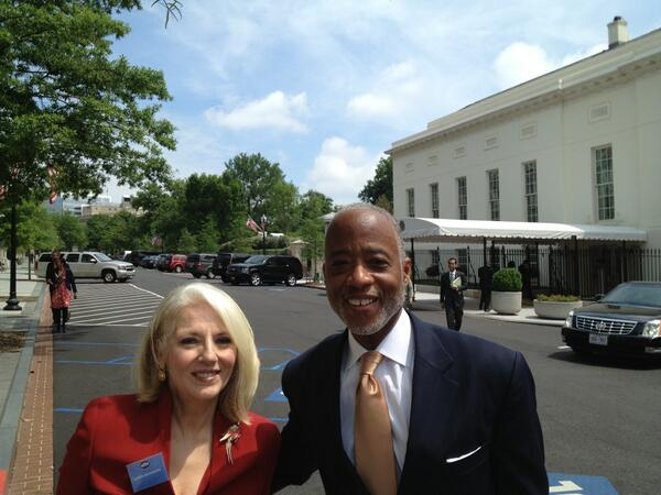 Check out @momgerm with Dr Norman Anderson, CEO & President of the @APA, outside the #WestWing. #MentalHealthMatters pic.twitter.com/CWaI0TsILZ