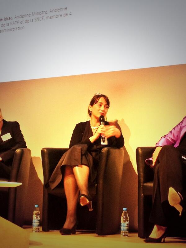 #g9plus @DelphineErnotte est la femme ayant en charge le + grand nombres de collaborateurs : 80000 personnes ! pic.twitter.com/kT53BnrXpt