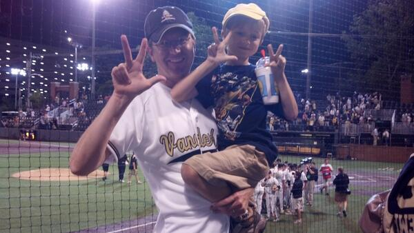Conquer and Prevail @VandyBaseball @vucommodores pic.twitter.com/e3vqmc2QQW