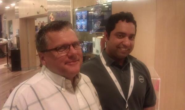 Two fellow New Englander #DellEF revelers quiesce.... @tsherbak @VirtualStorageV #iwork4Dell pic.twitter.com/enFYK2wKFV