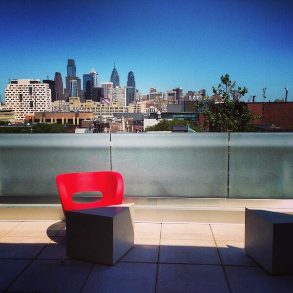 such an inspiring study spot @Penn, all that's missing is the coffee cart #phillydh pic.twitter.com/KnVMNKc9k4