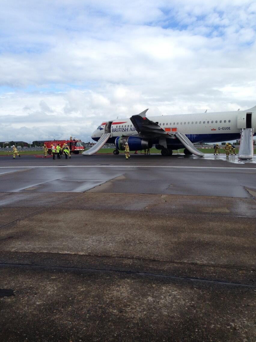 Photo: British Airways plane following an emergency landing at Heathrow Airport - @TBoneGallagher