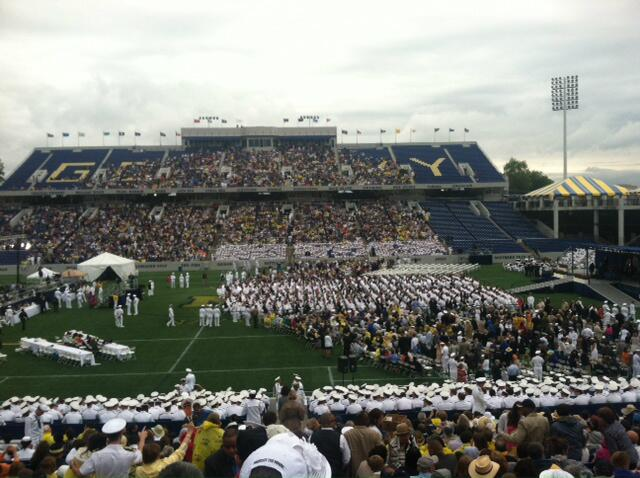 Photo: Obama addresses US Naval Academy commencement in Maryland - Kia Baskerville via @markknoller