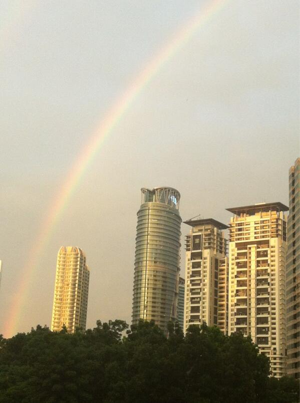 End exciting 1st Day of Midwifery Symposium. The sky thanked with beautiful rainbow over KL #UNFPA #midwivesmatter pic.twitter.com/Rkd8Q29V5s