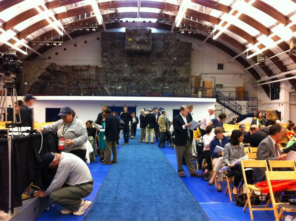 Parents beginning to fill in for #midd13 commencement. pic.twitter.com/wDL4aRu9zr