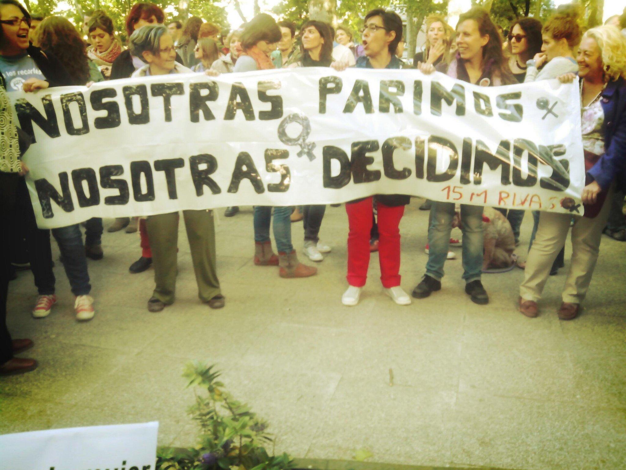 En #derechoaborto28m piden 'fuera el aborto del código penal' http://t.co/uxPNxlEAYx