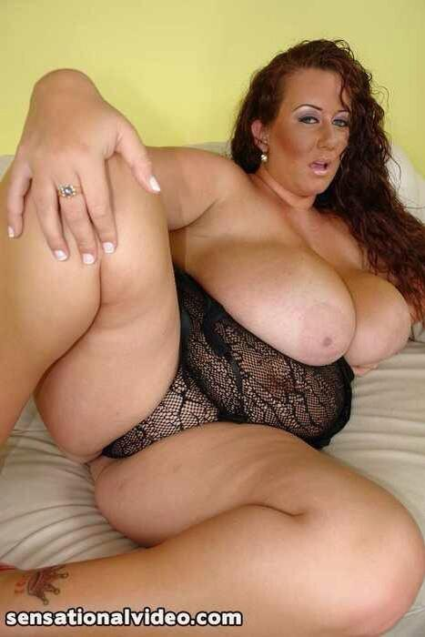 Hot MILF bbw plumper slut giant nipples like her