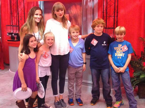 Emily Robison with Taylor Swift, her children, and their friends