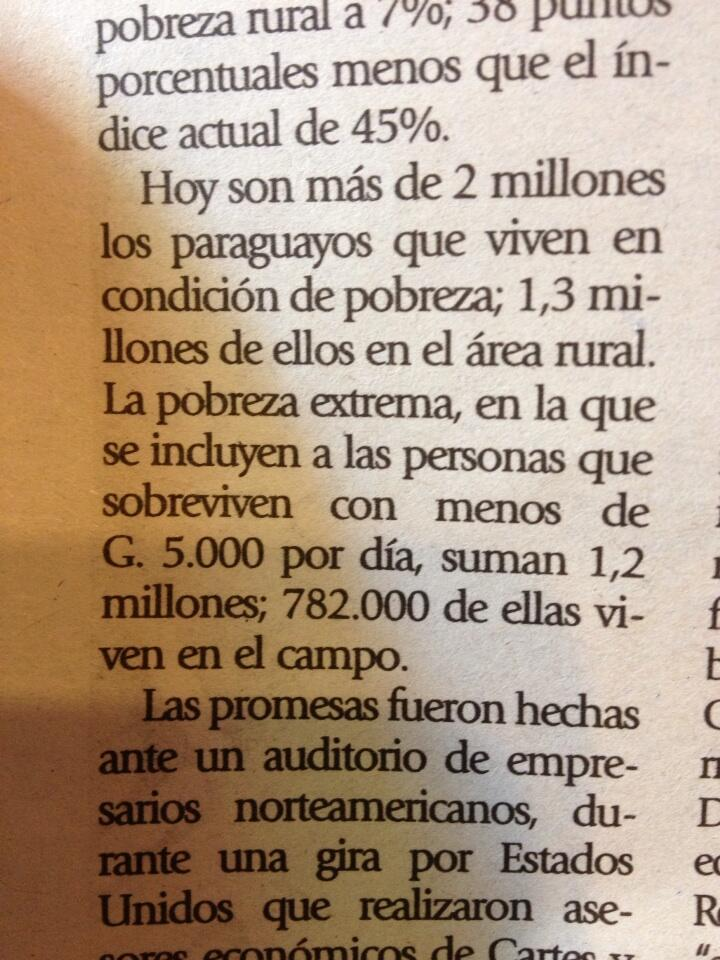 FedeFilartiga Fil d'Artiga 5.000 Gs sale un alfajor. Con ese importe viven 1,2 millones de paraguayos.