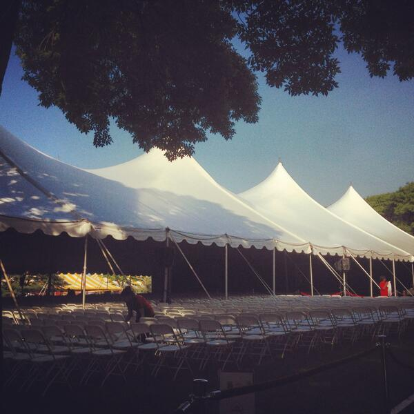 John F. Kennedy Park is all set up for today's @Harvard @Kennedy_School commencement ceremonies! #hks13 #harvard13 http://pic.twitter.com/RQi5uCGHvp