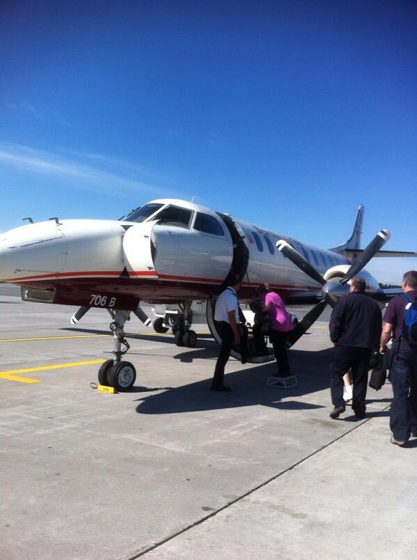 Boarding the plane for #edcampwpg #TBay http://pic.twitter.com/3OZnzmtdnP